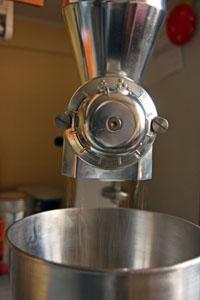 Kitchen Aid kornmølle in action