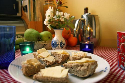 Ølbrød med Appenzeller, Vesterhavsost og Brie de Meaux